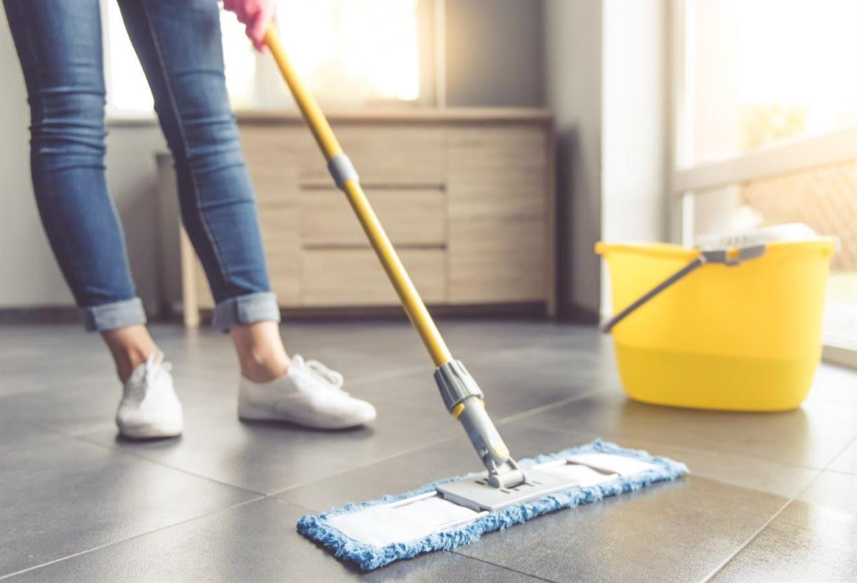 Household mop and flooring nonwovens low rez AdobeStock_126226316